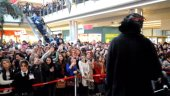 Bursa Halil Sezai?den İmza Günü Selfıesi