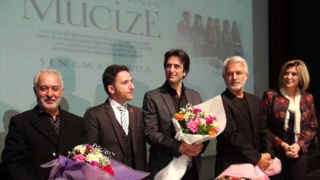 Bursa'da 'Mucize' Filminin Galasına Büyük İlgi